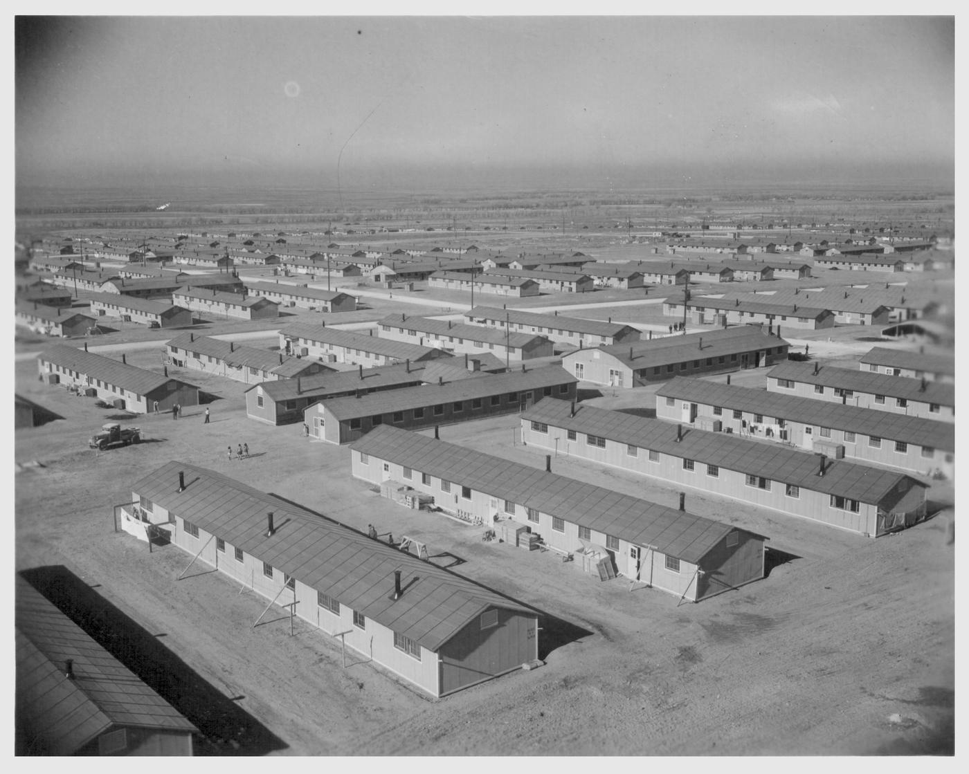 internment-camps-1